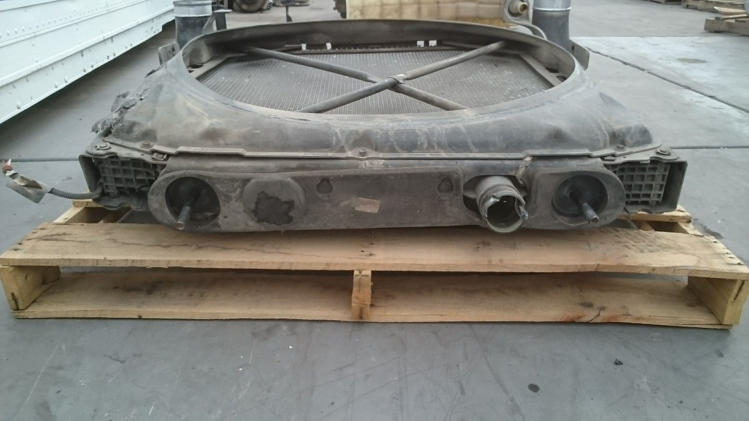 Used Parts for 2013 PETERBILT 384 for sale-59041088