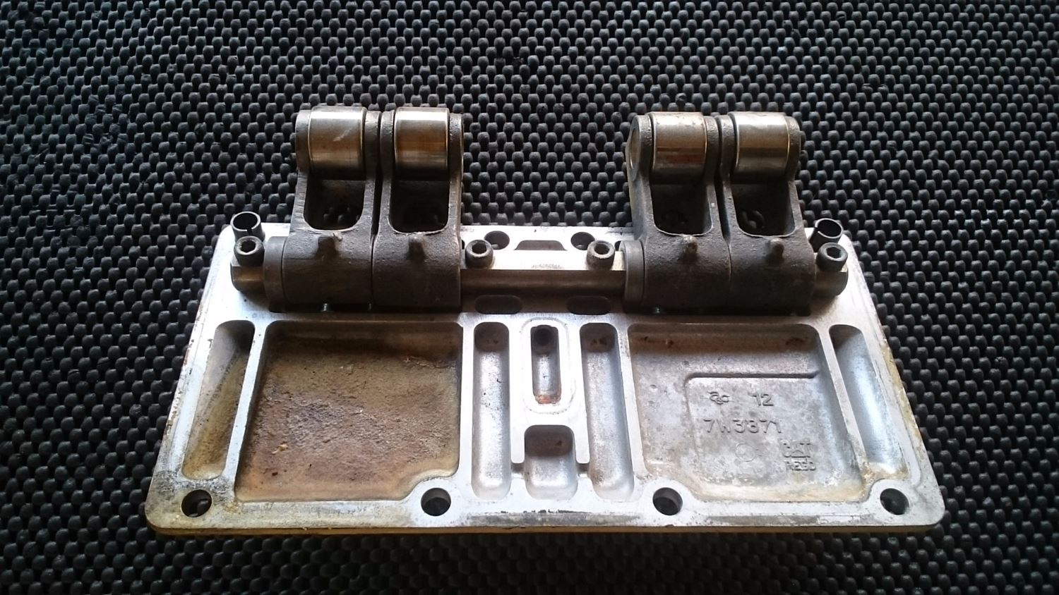 Cam Followers | New and Used Parts | American Truck Chrome