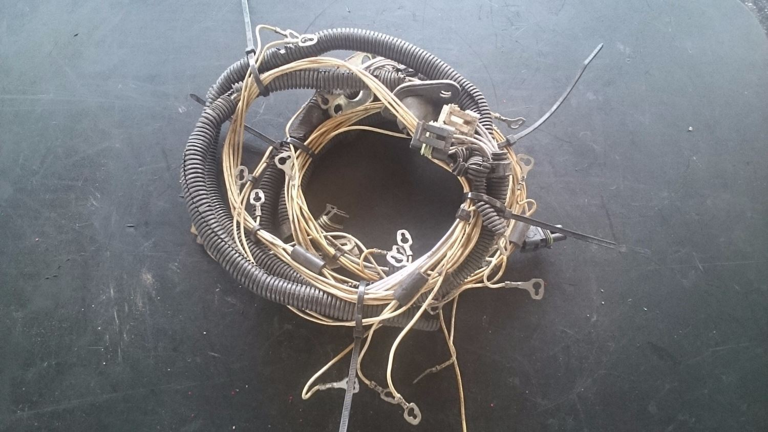 Detroit 60 Injector Wiring Harness Electrical Diagrams 1996 Freightliner Series Diagram Harnesses New And Used Parts American Truck Chrome 2003 Cadillac Cts