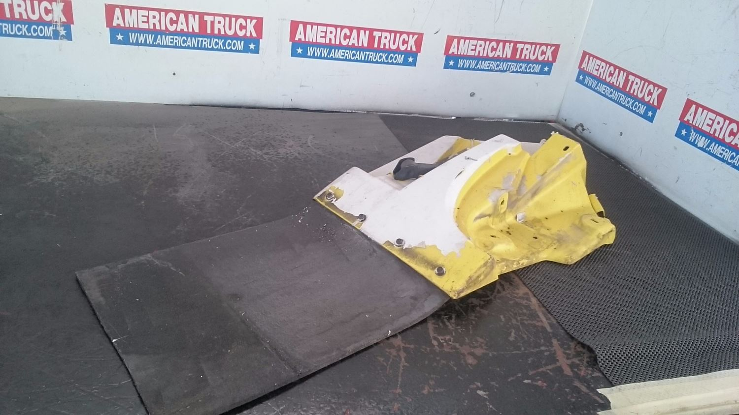 Used Parts for  GM/CHEV (HD) TOP KICK for sale-59007064