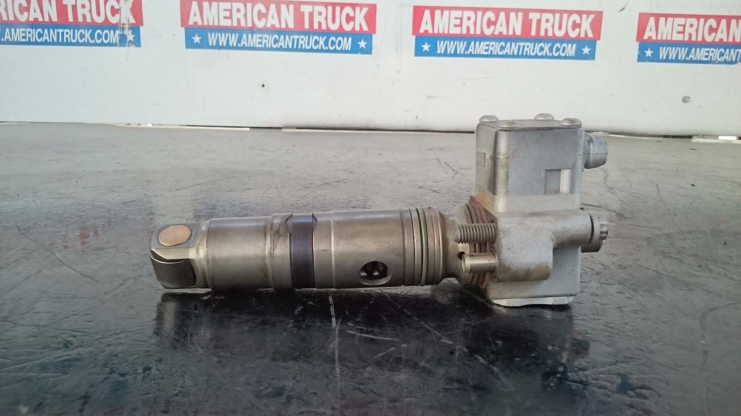 Injectors new and used parts american truck chrome for Mercedes benz fuel injector cleaner