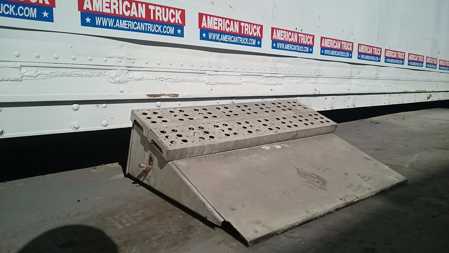 Used Battery Box Covers for  NOT AVAILABLE N/A for sale-59041813