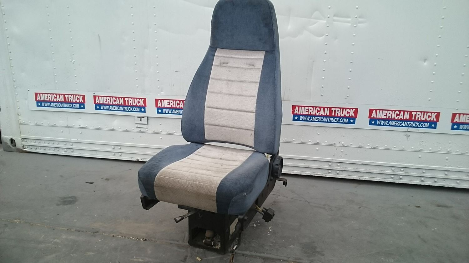 seats new and used parts american truck chrome. Black Bedroom Furniture Sets. Home Design Ideas