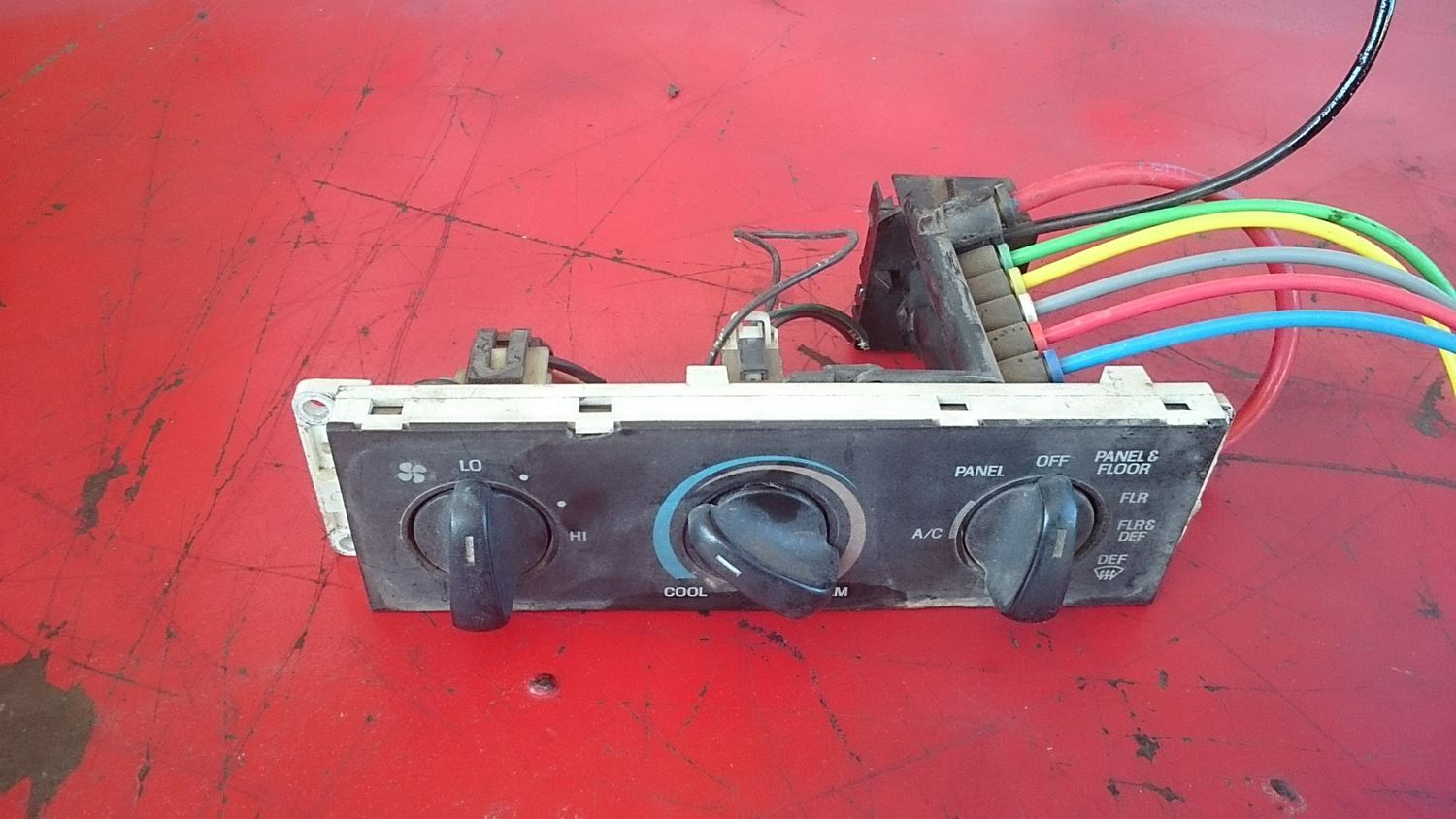 Interior Misc Parts New And Used American Truck Chrome Fuse Box On Heavytruckparts 735 A C Dash Controller