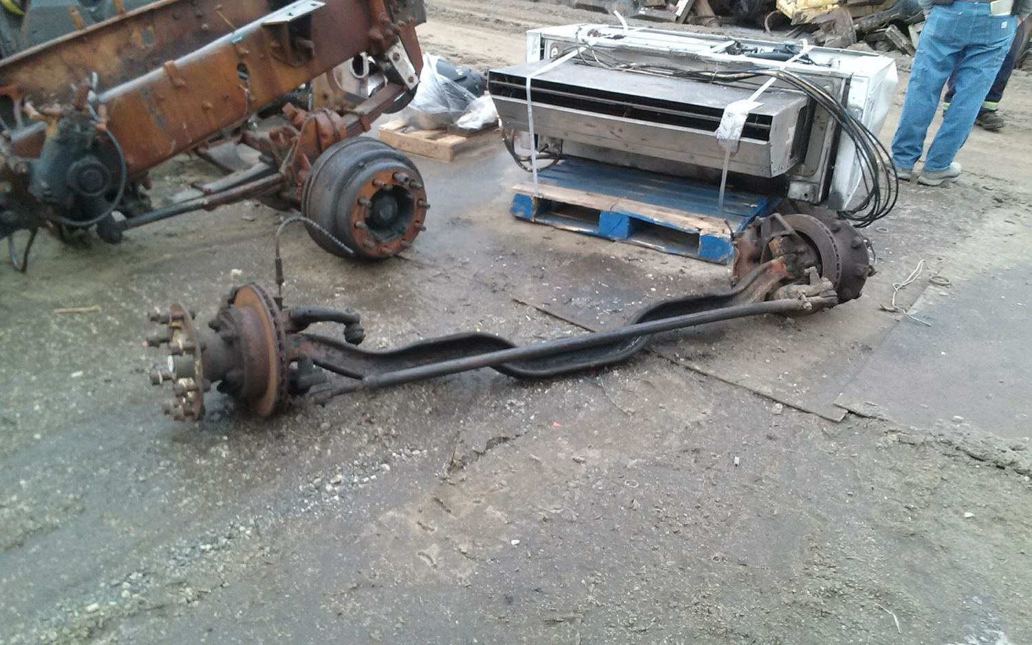 1996 Ford F800 (Stock #SALVAGE-559-FOFA-227) | Front Axles, Complete | TPI