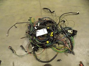 wiring harnesses cab and dah parts k r truck s service 32177 · 350 00 2012 freightliner cascadia 1fujglbg7dlbu3829 used 2012 freightliner cascadia engine wiring harness