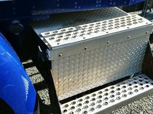 kenworth t300 battery box parts tpi. Black Bedroom Furniture Sets. Home Design Ideas