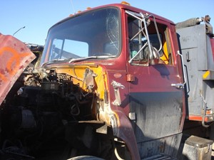1986 Ford F700 Cabs GrI6MxVgXHTY_b ford f700 cab parts tpi Ford F700 Fuel Wiring Diagram at couponss.co