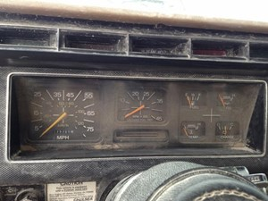 1990 FORD F700 Instrument Cluster CPdW4KToUc3H_b ford f700 instrument cluter parts tpi House Fuse Box Location at crackthecode.co
