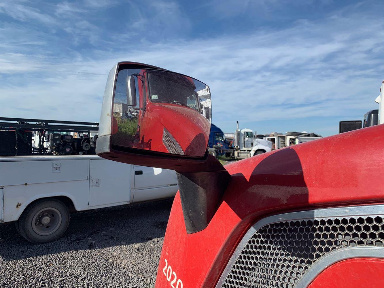 Hoods, Fenders & Grilles | Holst Truck Parts