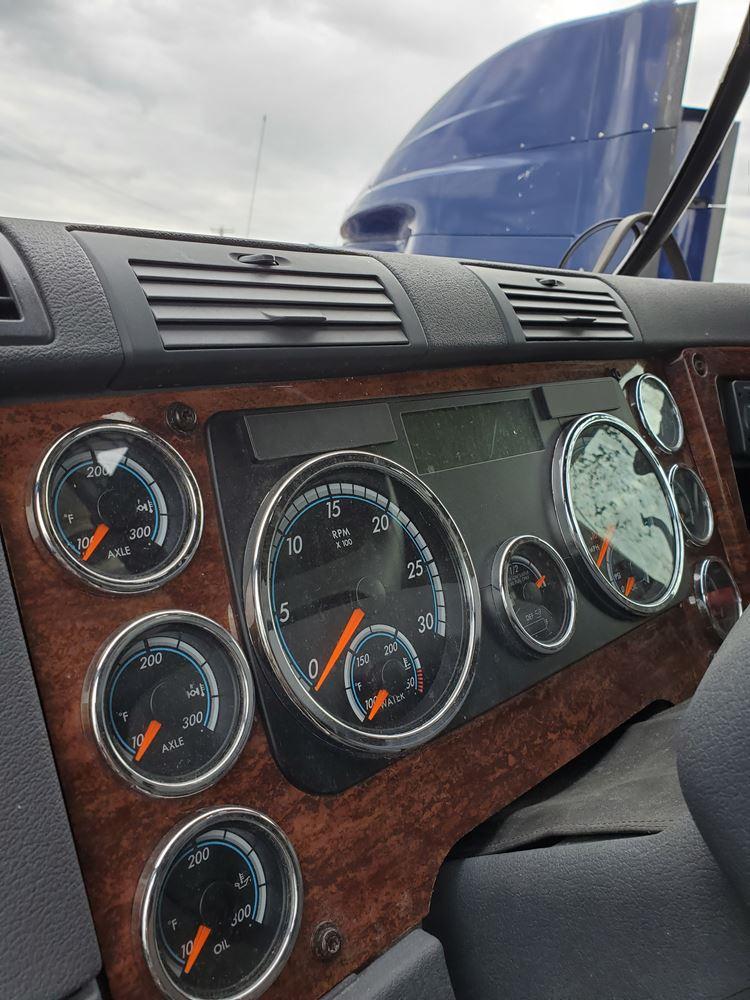 Instrument Cluster | Holst Truck Parts