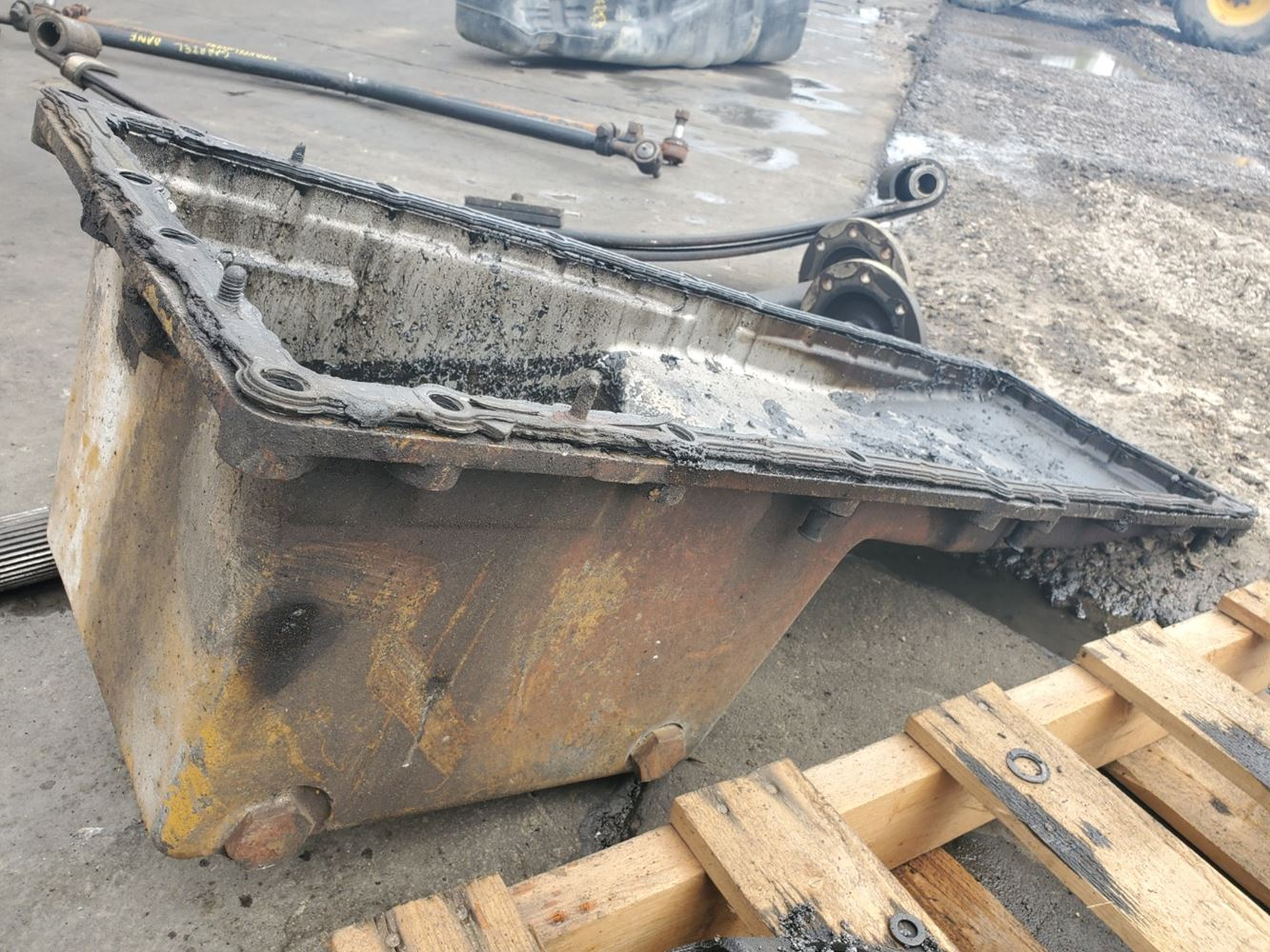 Oil Pans | Holst Truck Parts