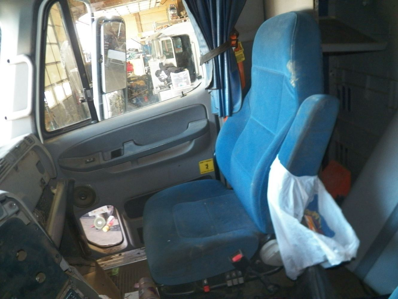 2007 freightliner columbia 120 stock z66488 20 seats tpi for 2007 freightliner columbia interior