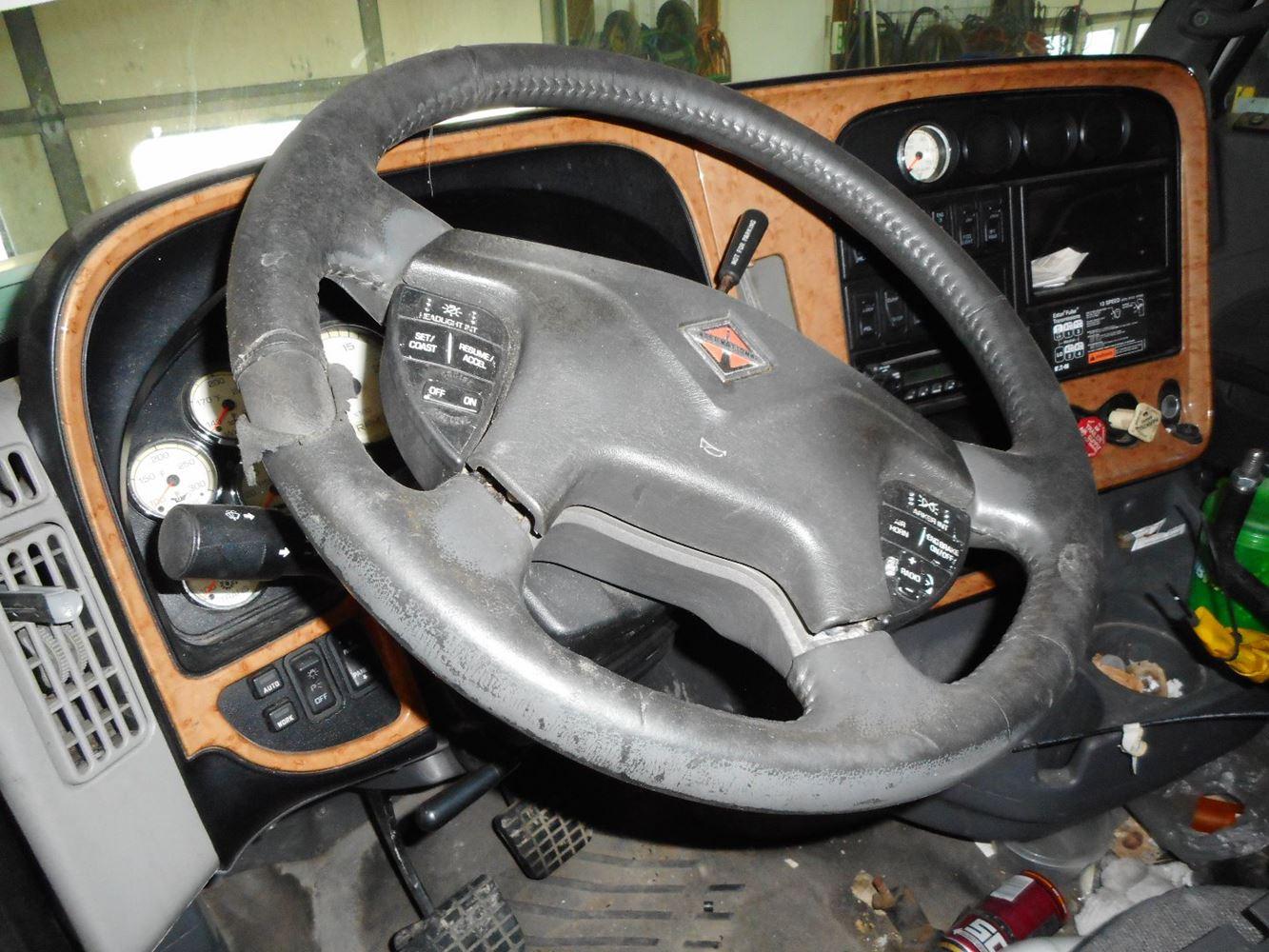 2010 International Navistar (Stock #277001-21)   Steering Wheels   TPI