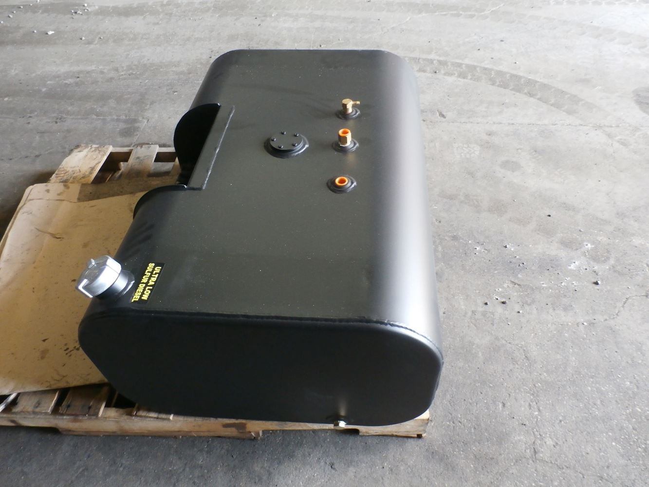 Media 3 for International 4700 Fuel Tanks