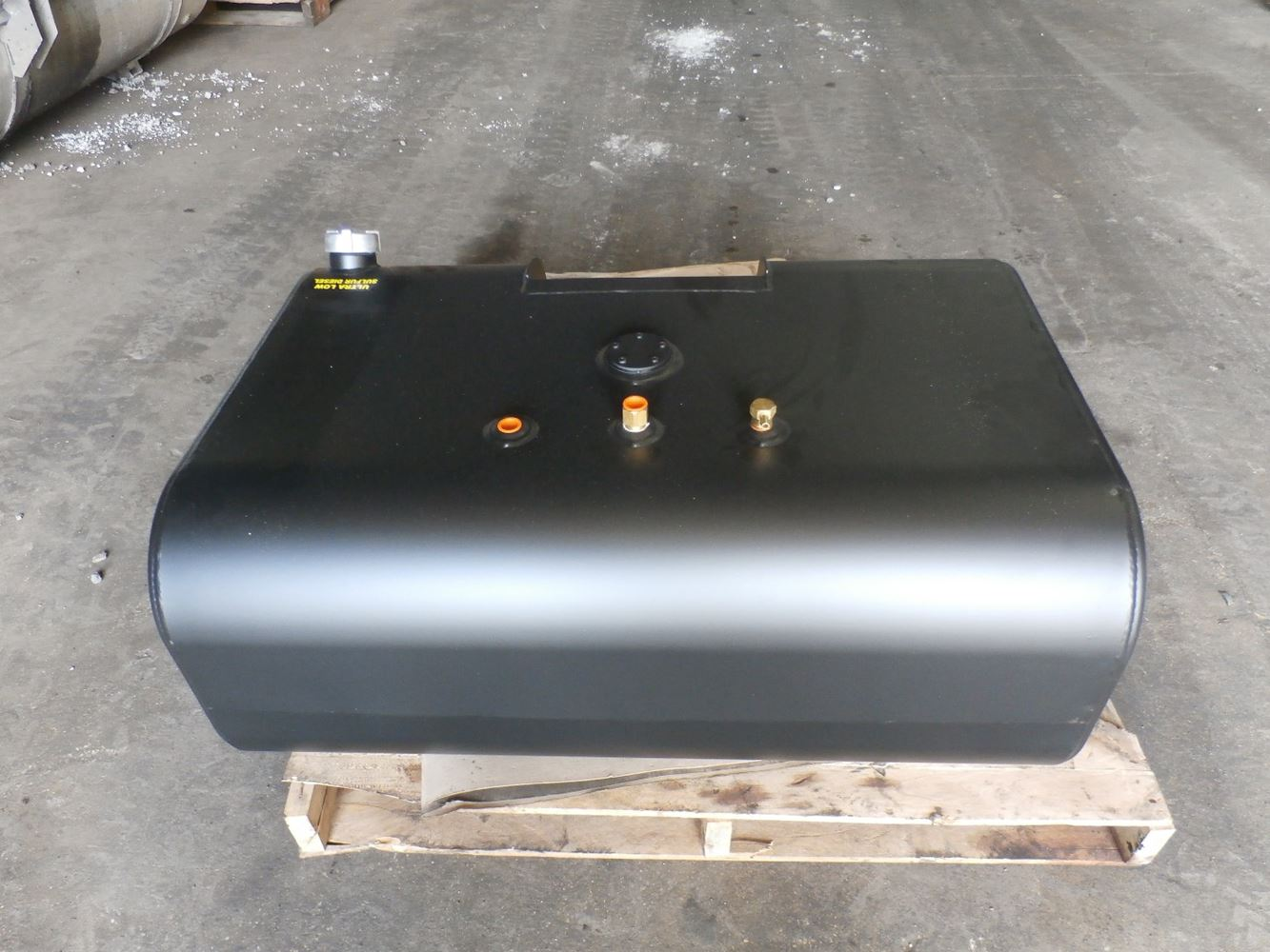 Media 4 for International 4700 Fuel Tanks