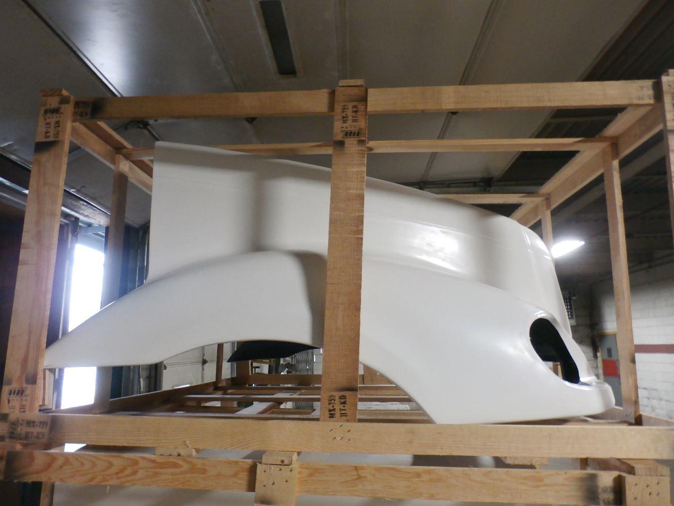 Media 2 for Freightliner COLUMBIA Hoods
