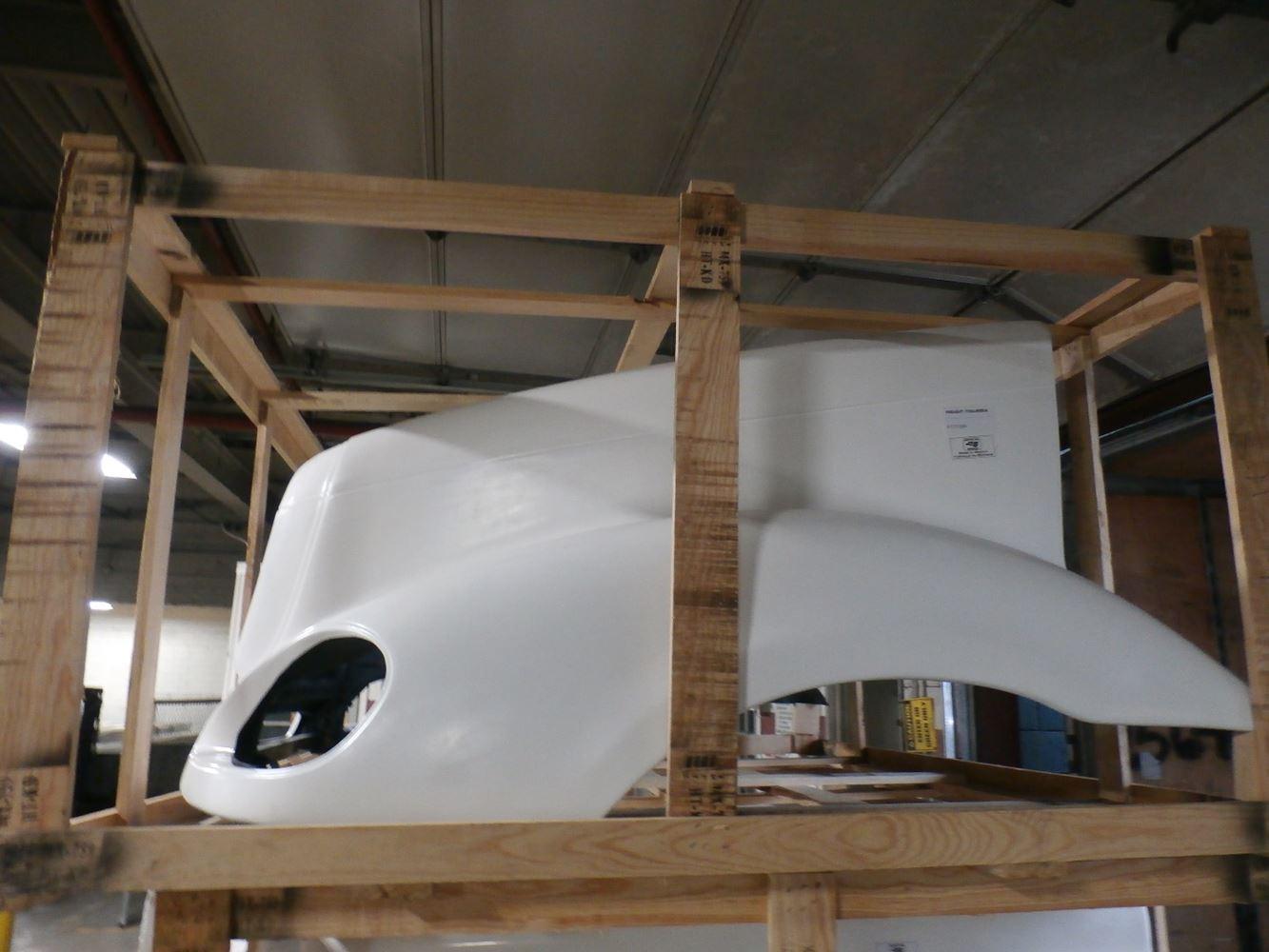 Media 3 for Freightliner COLUMBIA Hoods
