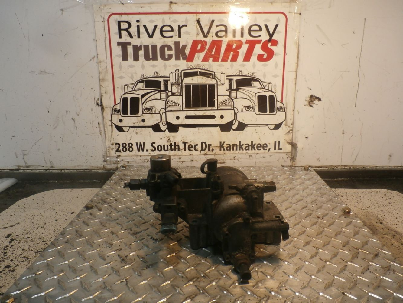Stock #180028-32   River Valley Truck Parts