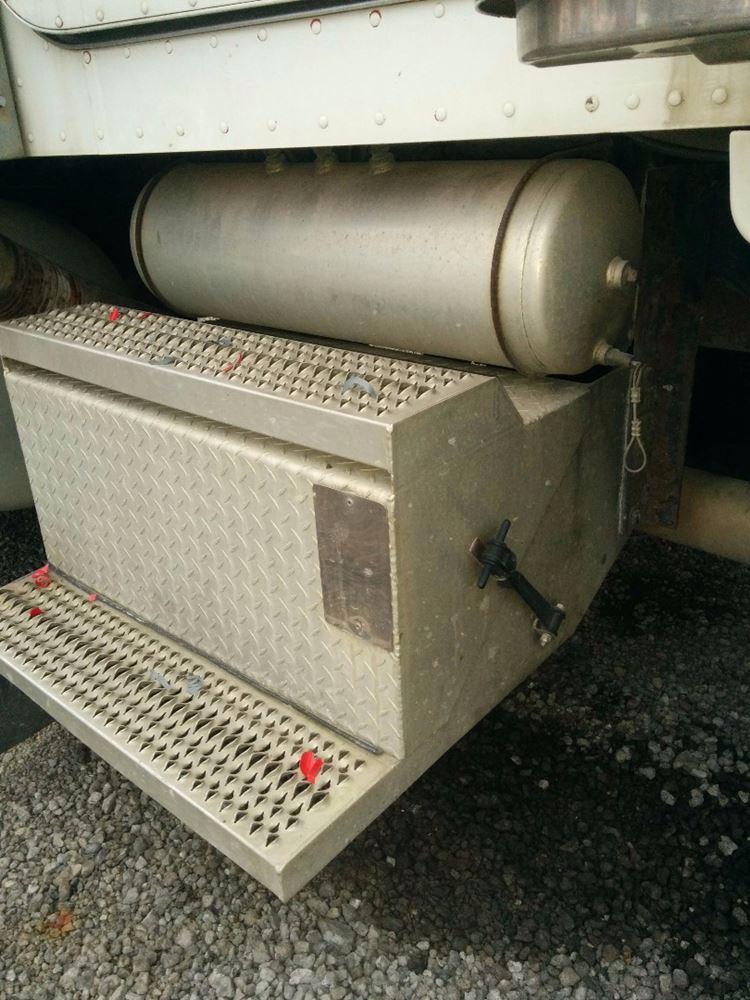 2005 peterbilt 379 unibilt stock pt 0470 11 battery. Black Bedroom Furniture Sets. Home Design Ideas