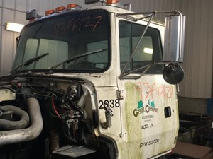 1993 FORD L9000 Cabs KMVZ6X6LtxZ7_b ford l9000 cab parts tpi 95 ford l9000 aeromax ac wiring diagram at love-stories.co