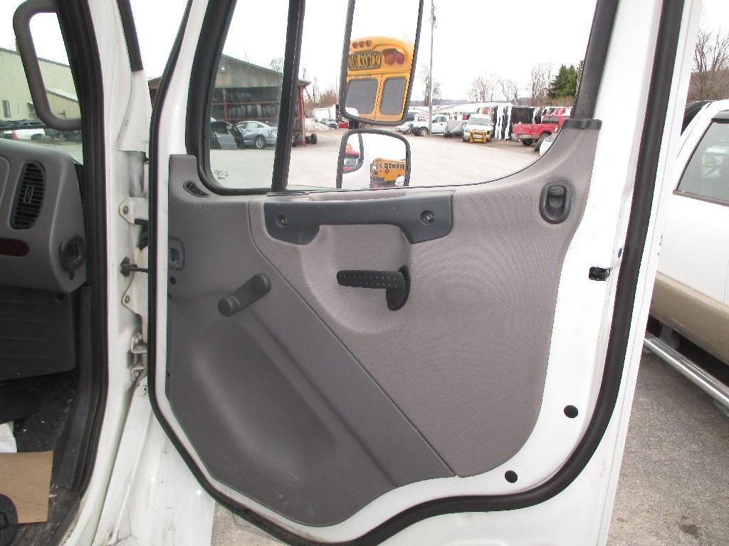 2012 freightliner m2 106 stock 3195 door window for 106 door