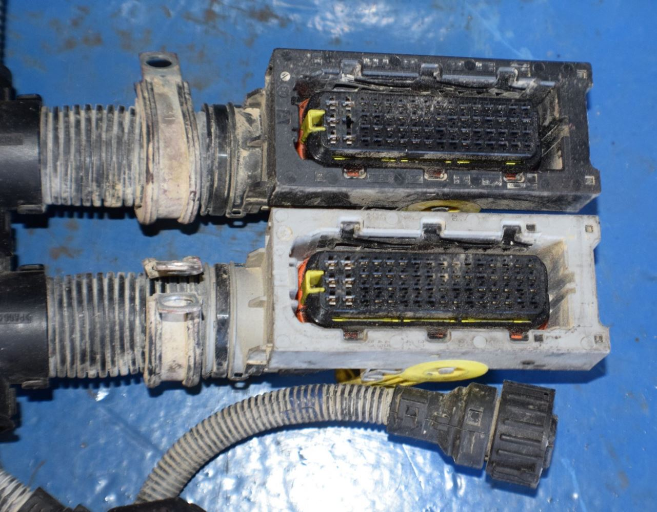 mack mp7 stock 7577 wiring harnesses tpi