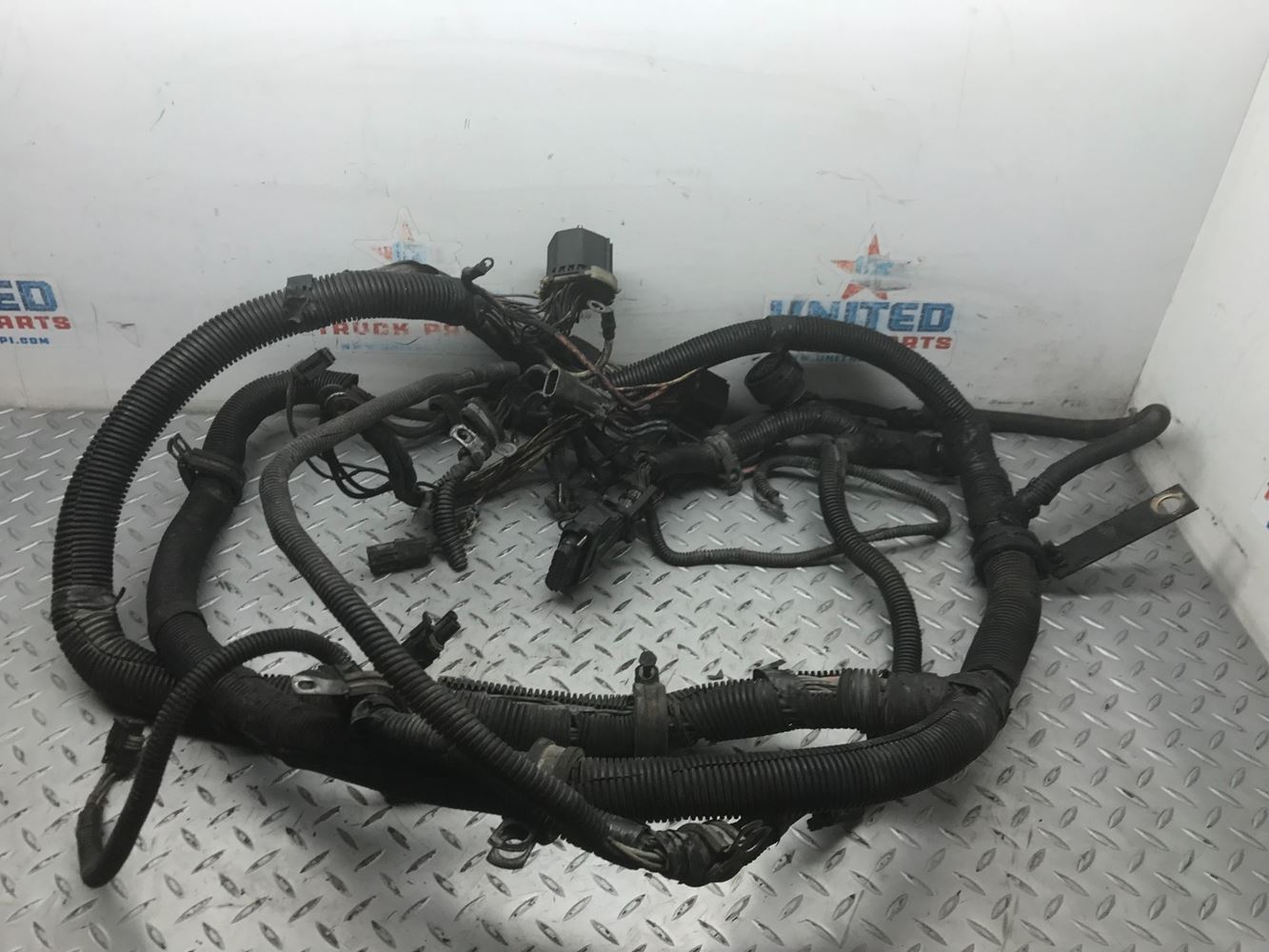 Cab Parts United Truck Inc 83 Volvo Wiring Harness Sv 18 01 103 Harnesses