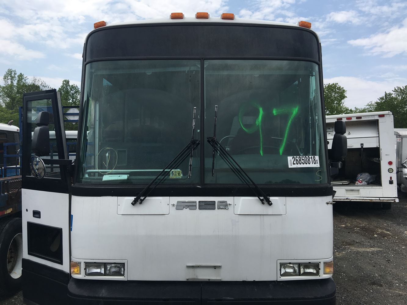 1997 mci 102dl3 intercity stock p 2159 windshield glass tpi rh  truckpartsinventory com MCI Bus 2018