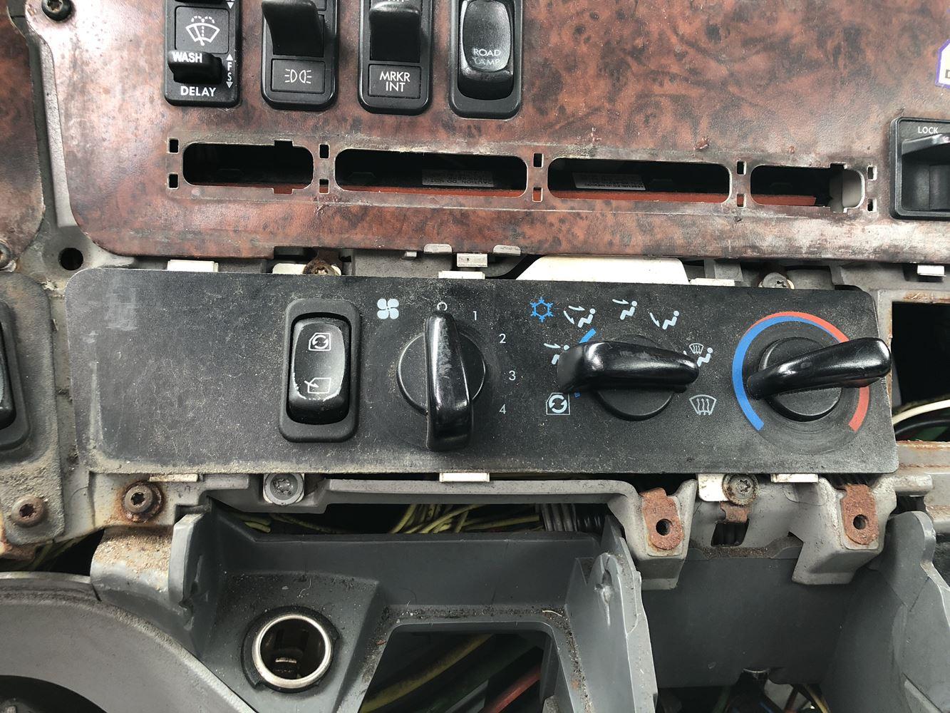 2001 Freightliner St120 Stock P 1272 Interior Mic Parts Tpi