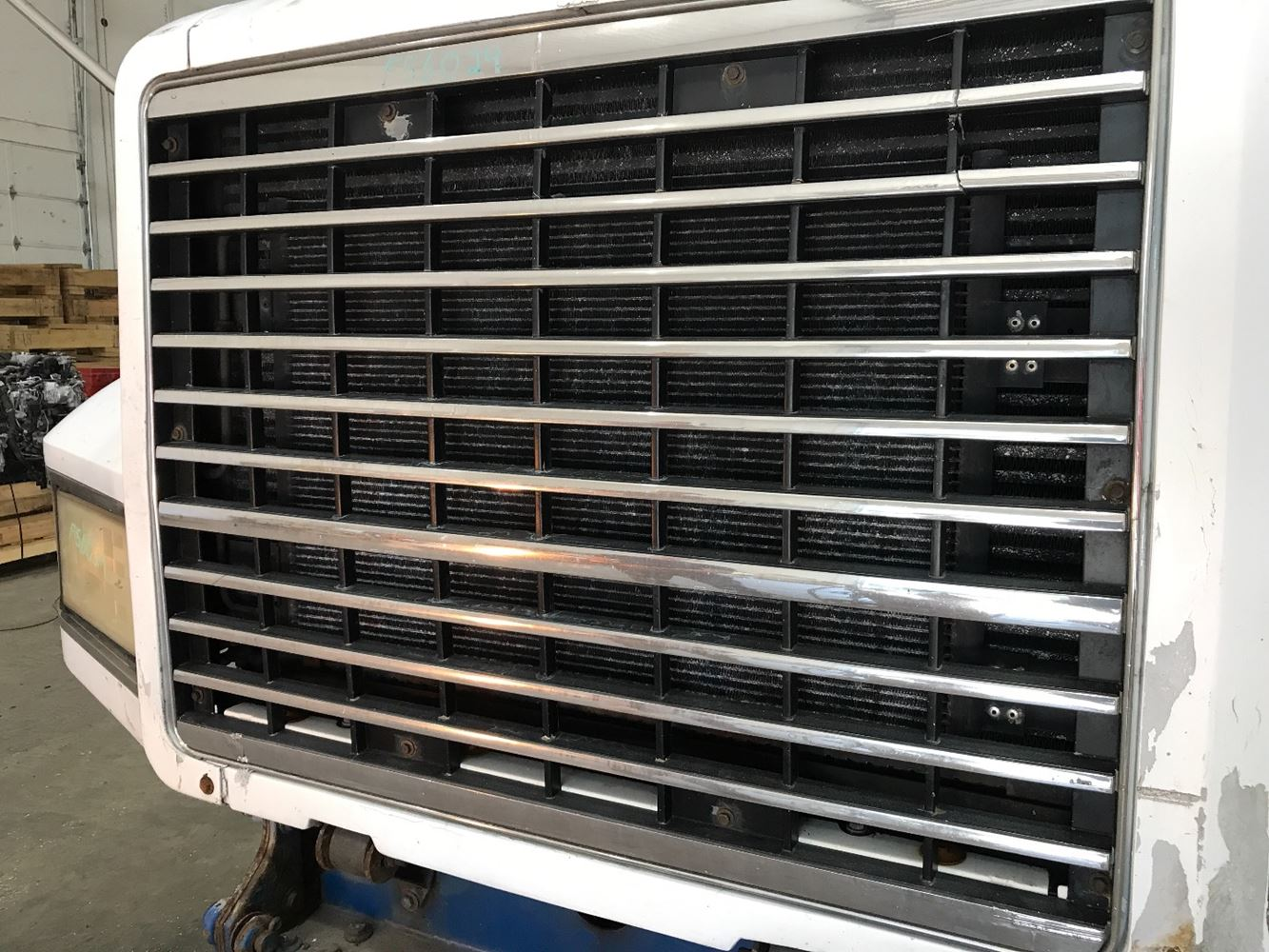 2001 MACK CH612 GRILLE TRUCK PARTS #686380