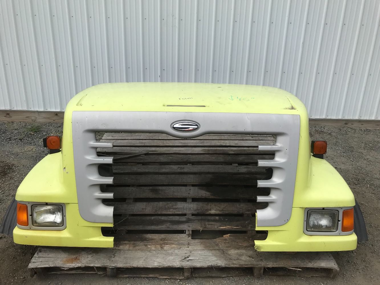 2004 STERLING L9500 HOOD TRUCK PARTS #680219