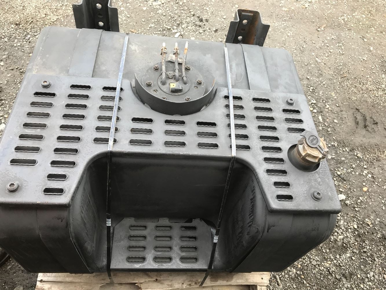 NOT AVAILABLE N/A FUEL TANK TRUCK PARTS #685761