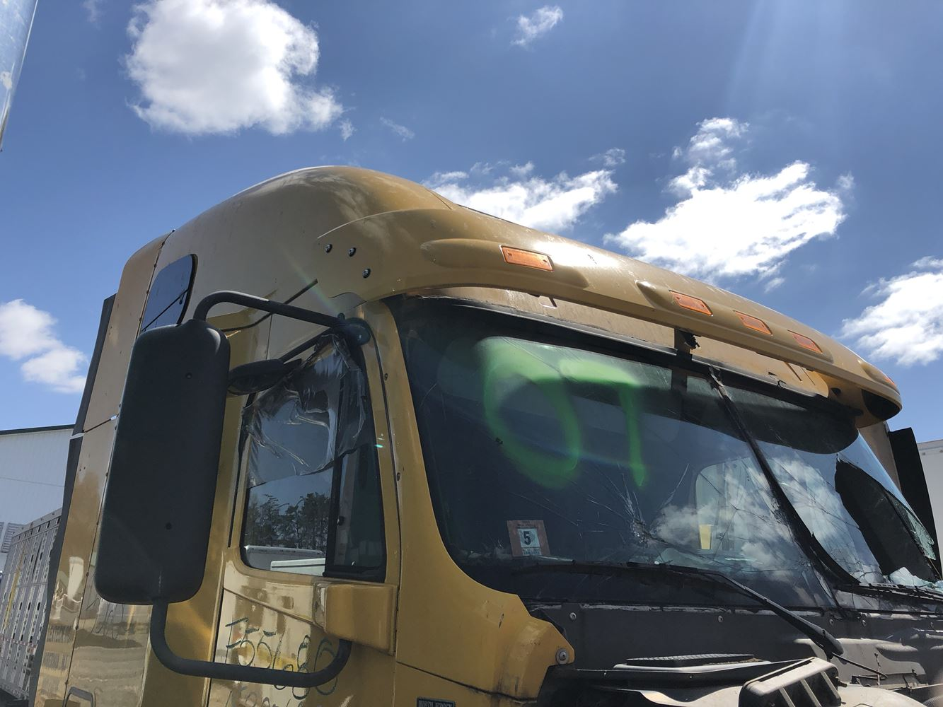 Roof Fairings For Semi Trucks : Freightliner columbia stock p roof