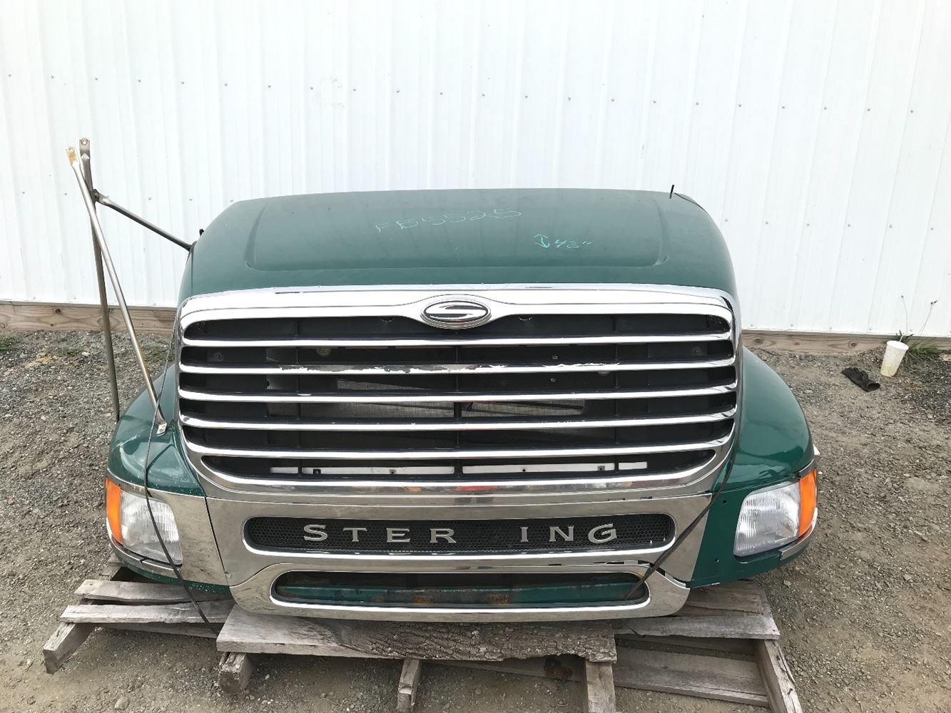 2010 STERLING A9500 HOOD TRUCK PARTS #680078