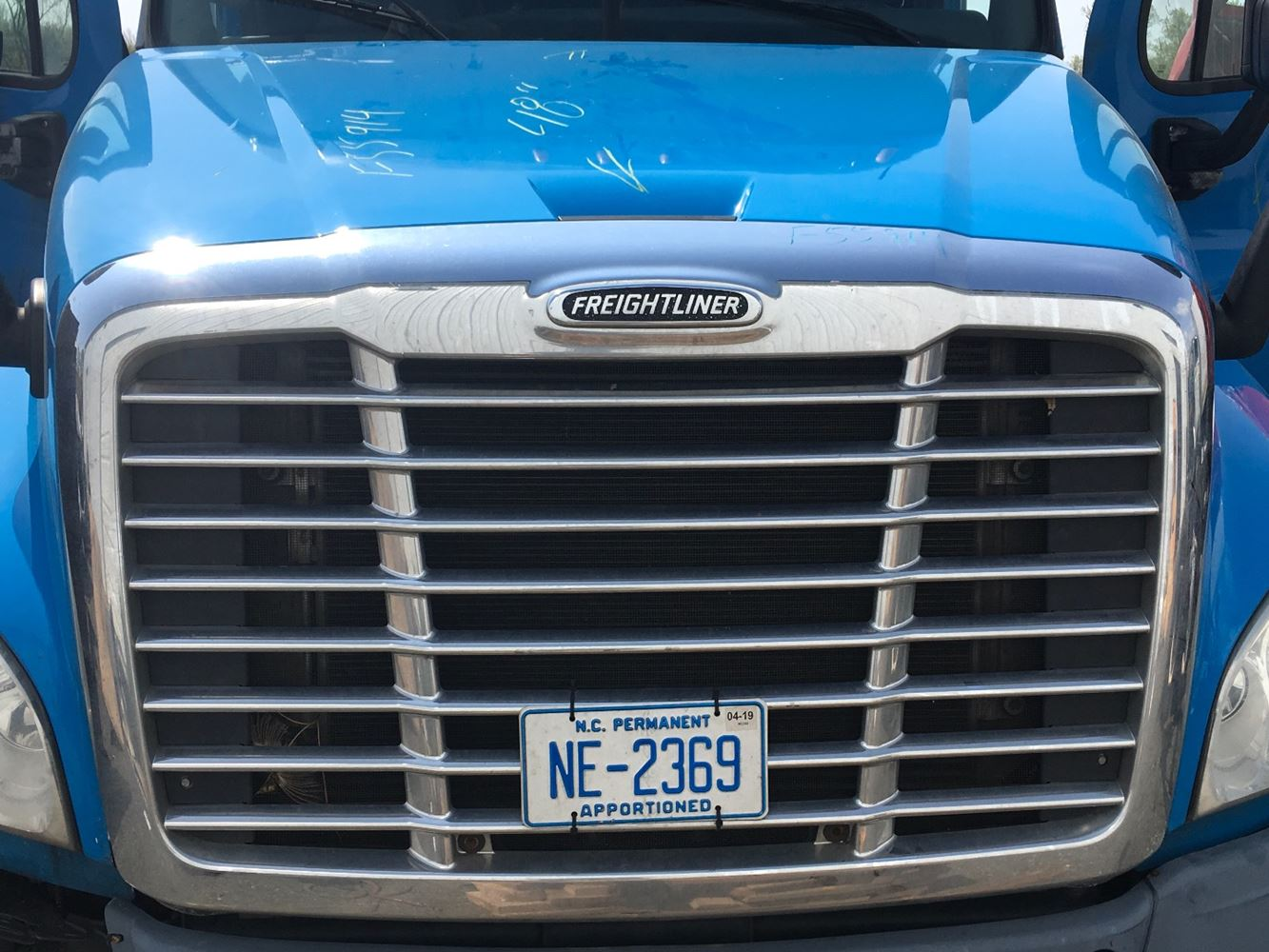 2011 FREIGHTLINER CASCADIA 125 GRILLE TRUCK PARTS #681201