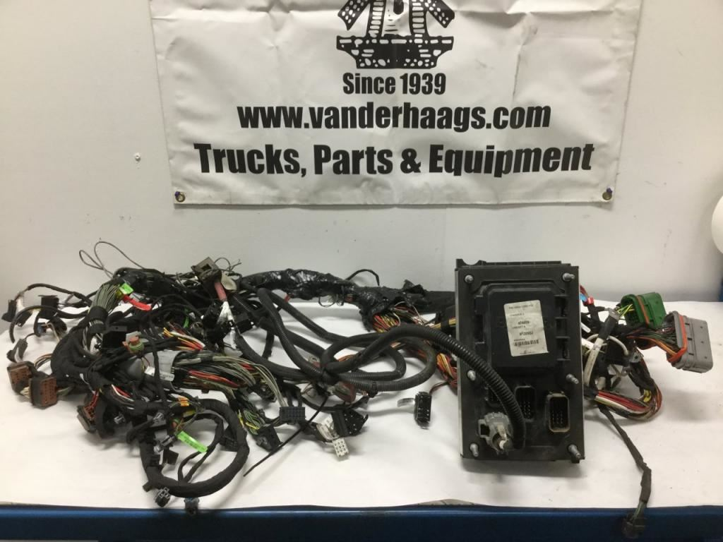 2015 kenworth t680 stock 24621928 wiring harnesses cab and 7 2017 image subject to change