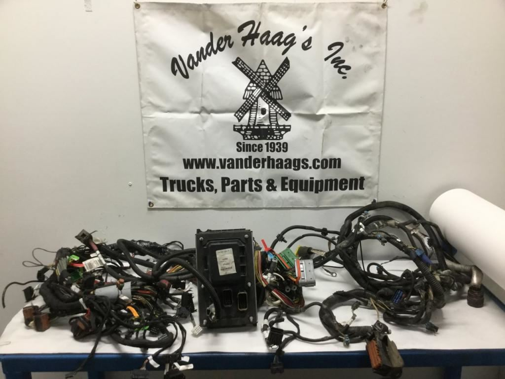 t680 kenworth wiring harness reinvent your wiring diagram \u2022 2017 t680 kenworth wiring diagram 2015 kenworth t680 stock 24621928 wiring harnesses cab and rh truckpartsinventory com kenworth wiring harness f160 kenworth wiring diagram