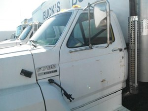 1989 FORD F700 Cabs w1zXVNpdiJZC_b ford f700 cab parts tpi Ford F700 Fuel Wiring Diagram at mifinder.co