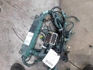 2015 VOLVO VN Wiring Harnesses ejTObZLnzEVD_b volvo other wiring harness parts tpi Volvo Wiring Harness Problems at crackthecode.co