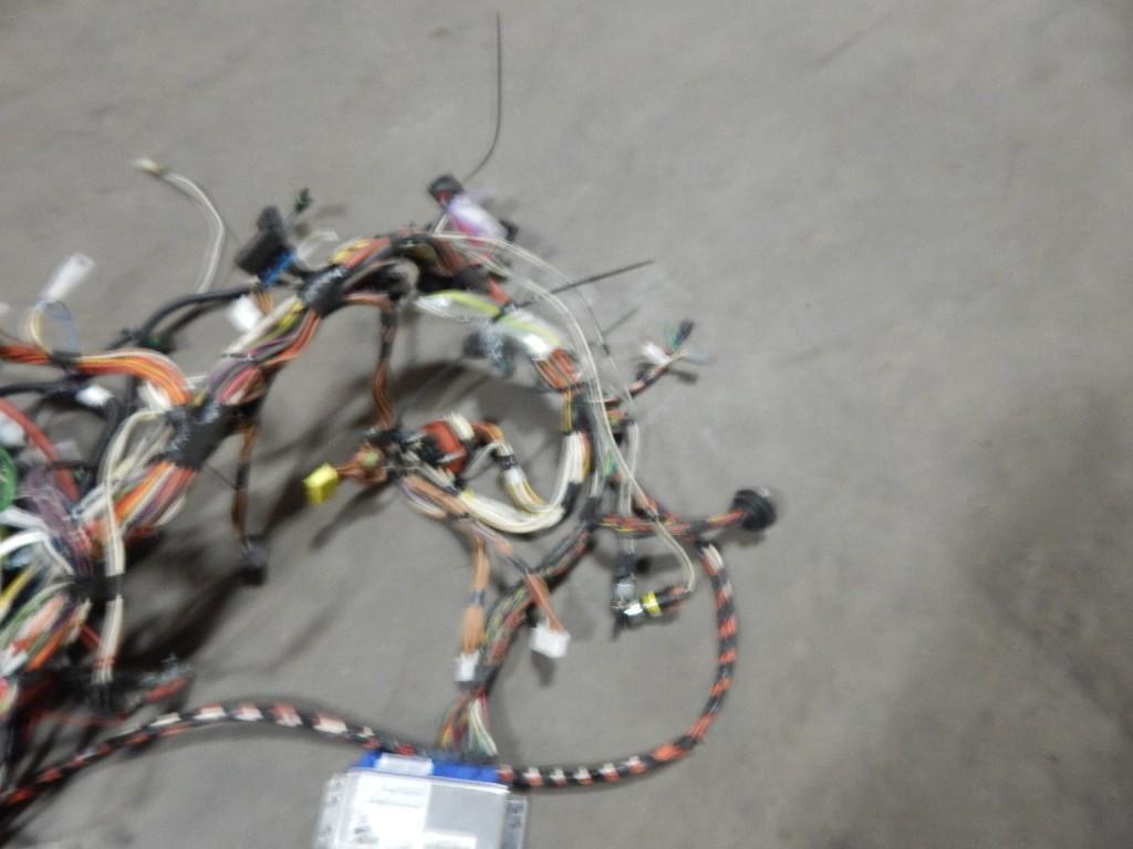 international 9100 stock 38602 wiring harnesses cab. Black Bedroom Furniture Sets. Home Design Ideas