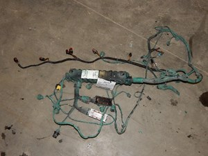 VOLVO Other Wiring Harnesses S1DcpXPBZI8U_b volvo wiring harness parts tpi Volvo Wiring Harness Problems at crackthecode.co