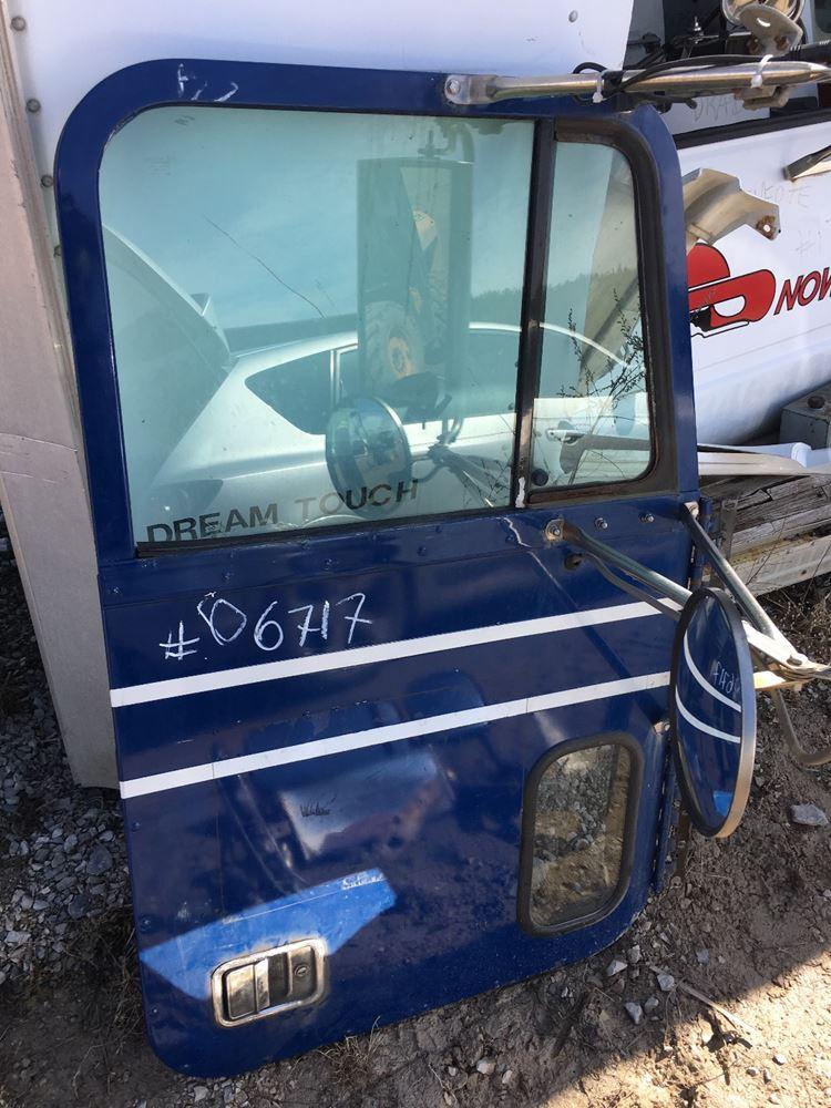 Freightliner Fld120 Door Panel.1995 Freightliner FLD120 Front Door ...