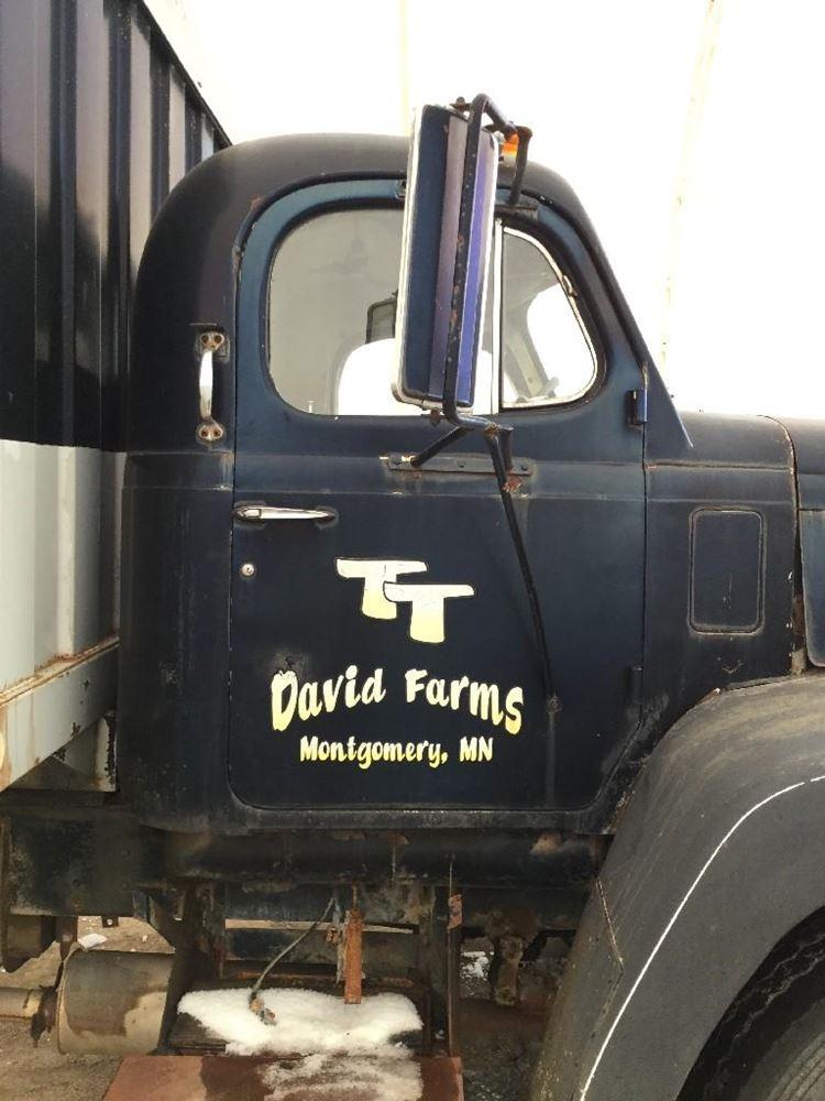 1972 DIAMOND REO Grain Truck (Stock #62792) | Cabs | TPI