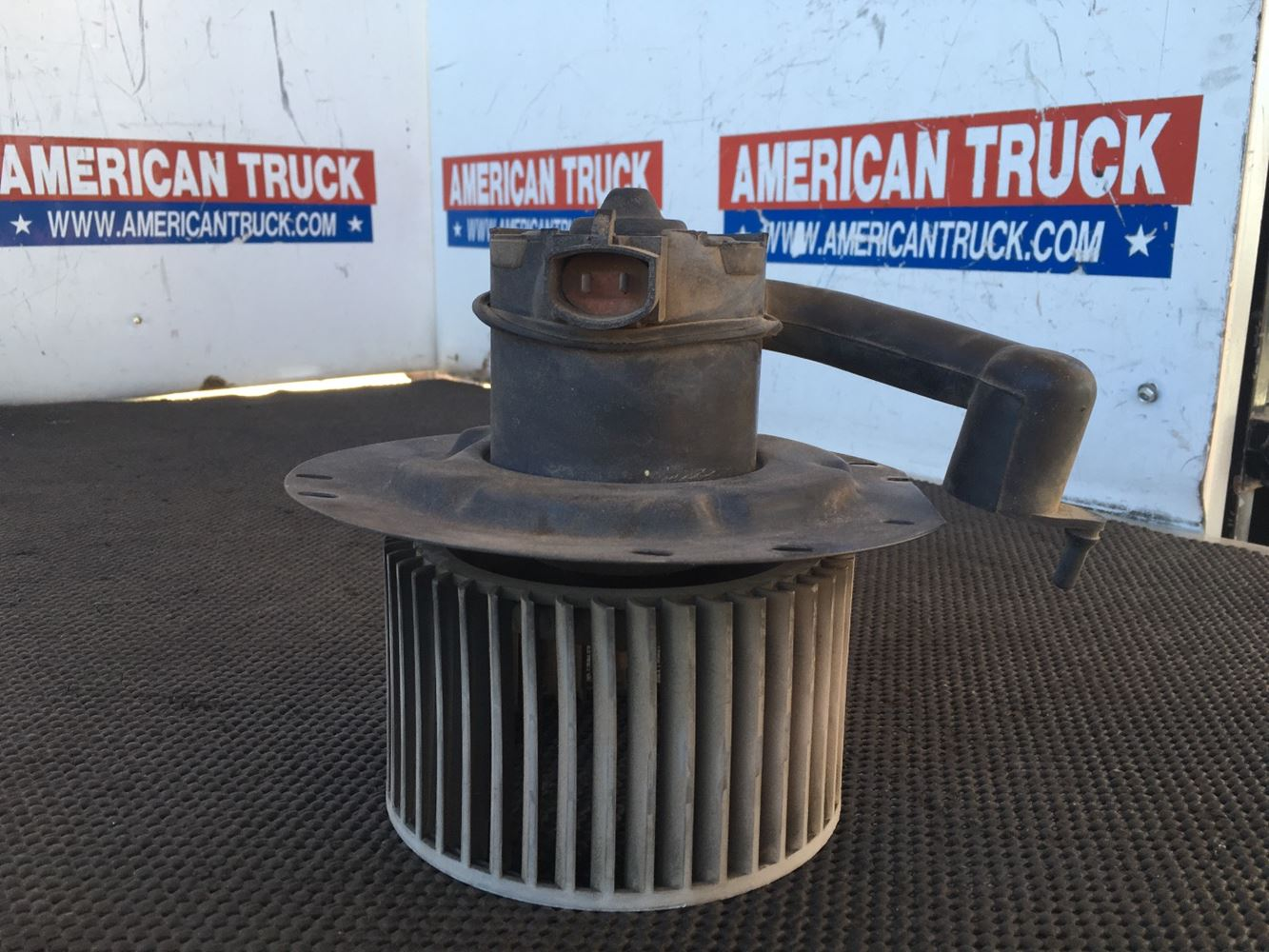 Used Parts for 1998 Ford A9513 AEROMAX 113 for sale-58723501