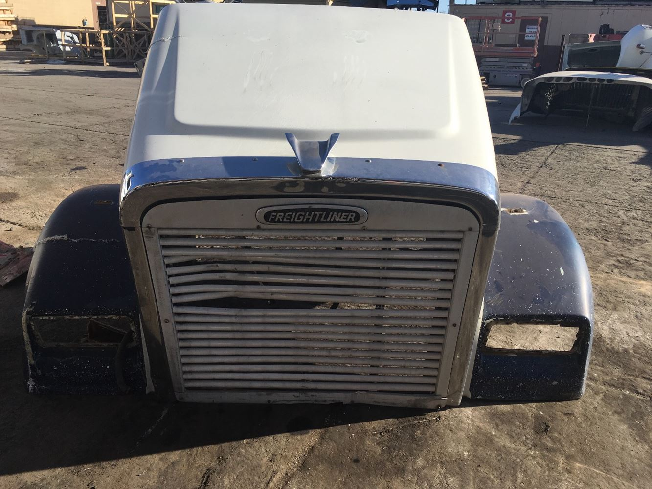 Used Parts for 2000 FREIGHTLINER CLASSIC XL for sale-58982154