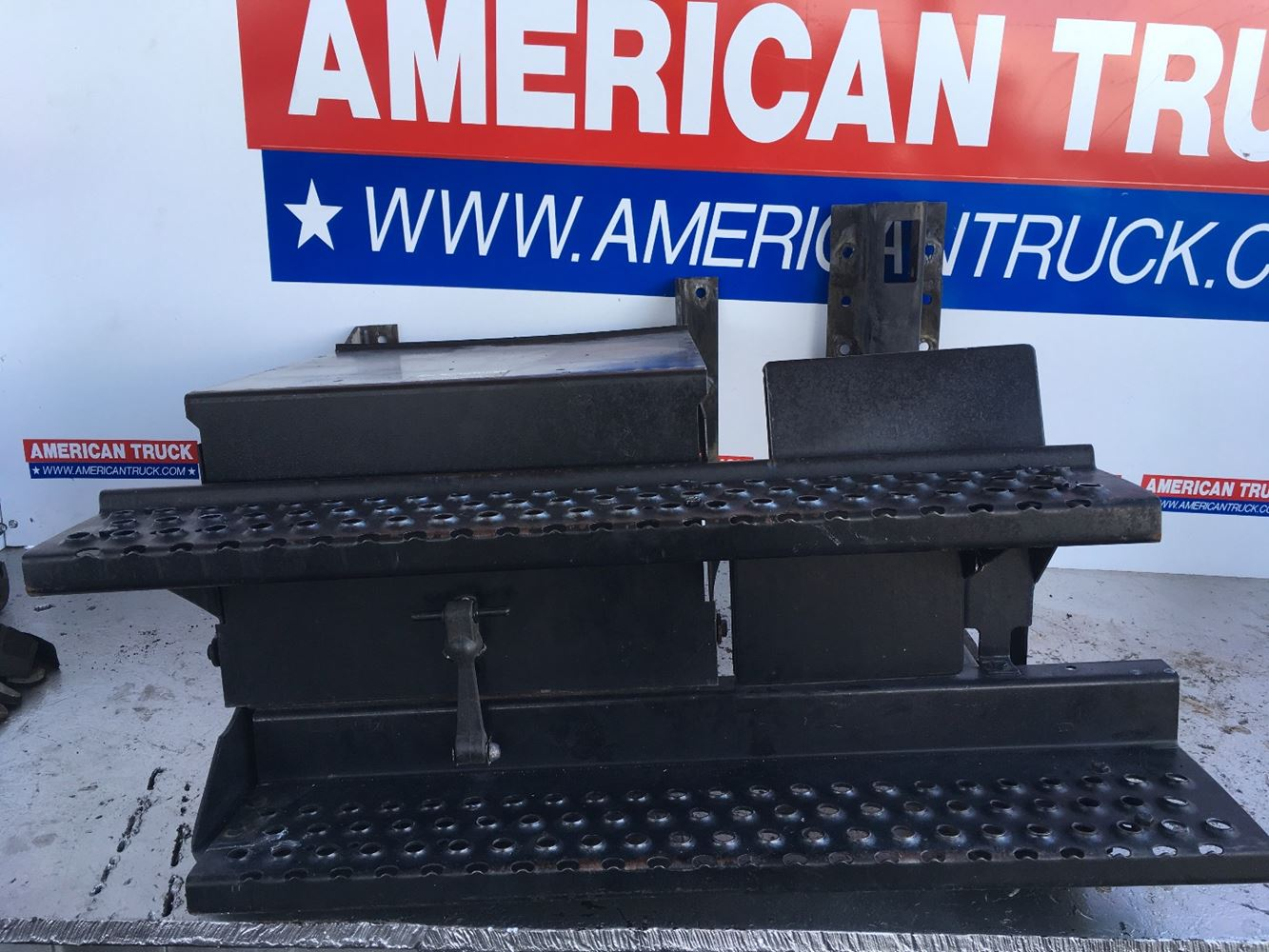 Used Battery Box Covers for 2001 INTERNATIONAL 4700 for sale-59046556