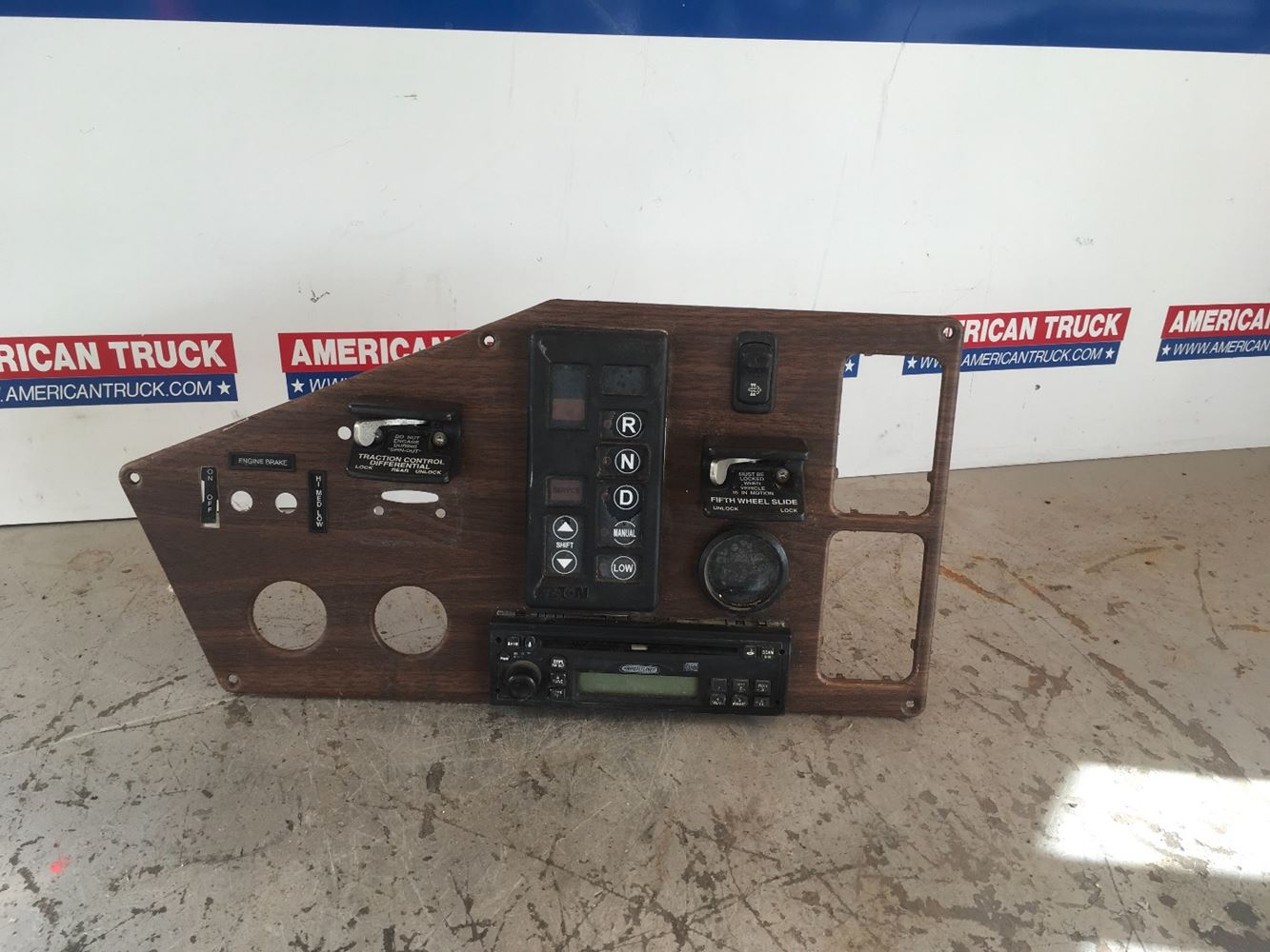Dash Assys New And Used Parts American Truck Chrome Western Star Radio Wiring Harness Panel Fith Wheel Unlock Lock Switch Has A Plays Cd Also Gear Shifter Traction Differential