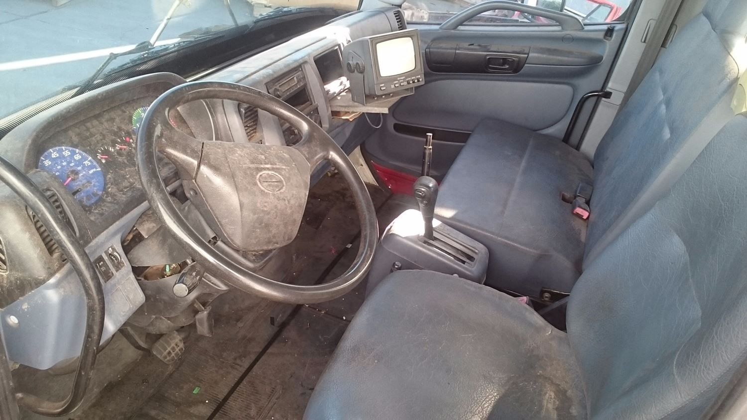 Used Parts for 2005 HINO 185 for sale-59044689
