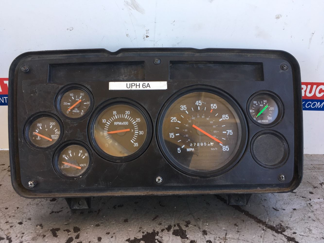 ISED INSTRUMENT CLUSTER FOR A 2005 STERLING A9513 WITH WIRING HARNESS ...